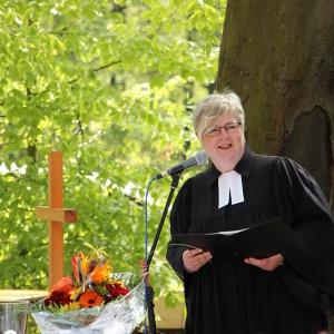 Pfarrerin Ruth Knebel